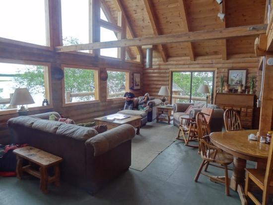 Katmai Adventure Lodge : main area
