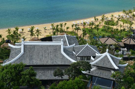 InterContinental Danang Sun Peninsula Resort: View of grounds from upper level