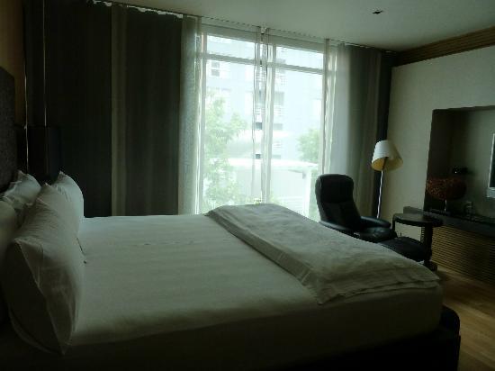 โรงแรมมาดูซิ: camera spaziosa