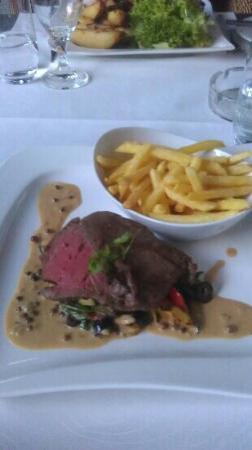 Candela : Angus-Steak m. Pfeffersauce