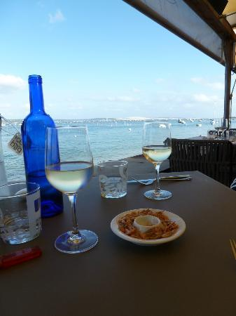 Pinasse Cafe: View on the Bassin
