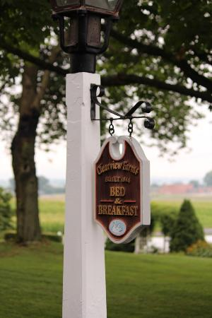 Clearview Farm Bed and Breakfast: B&B sign