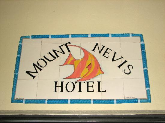 Mount Nevis Hotel Restaurant: Here we are!