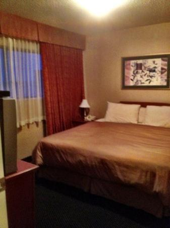 Anchor Inn separate bedroom with comfy king size bed.