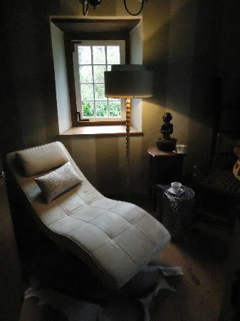 Augusta de Mist Country House: Chill out area in my room. Very comfortable and tastefully done.