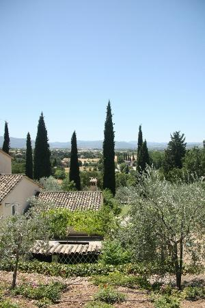 Agriturismo Marfuga : View over Campello sul clitunno from pool area