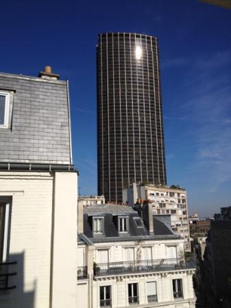Timhotel Tour Montparnasse: vue de la chambre au 6eme
