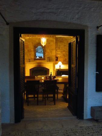 Apokryfo Traditional Houses: Lounge
