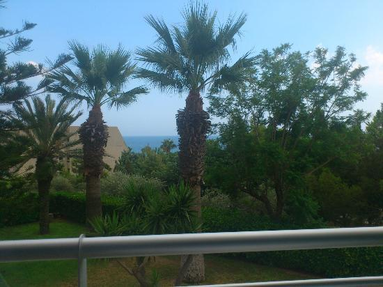 Mediterranean Beach Hotel : View from the Sea-view(!) room