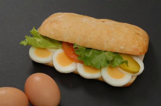 Sandwichbar: Ei an Mayo im Ciabatta