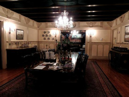 Gramercy Mansion: Formal Dining Room