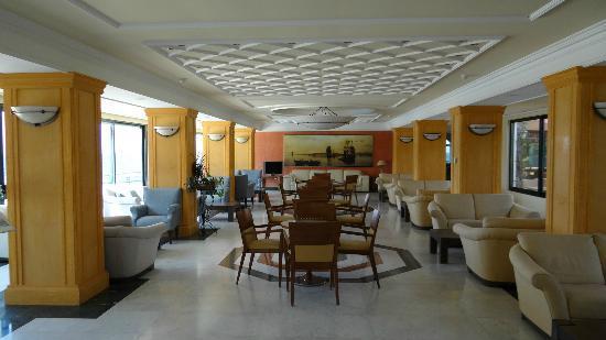 Aquamarina Hotel: Lounge