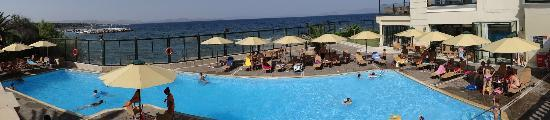 Aquamarina Hotel: Outdoor swimming pool