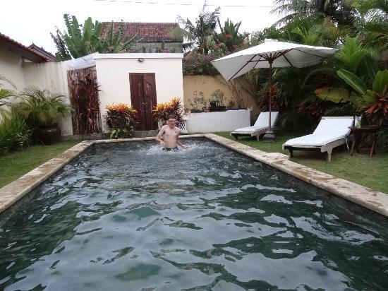 Balivillini: the pool