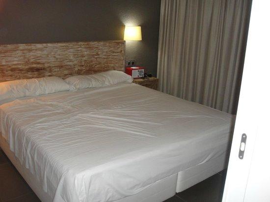 Tabaibas: Separates Schlafzimmer mit Riesenbett