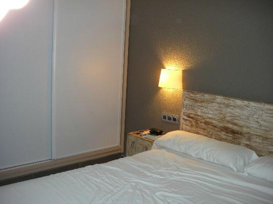 Tabaibas: Schlafzimmer mit geräumigem Schrank