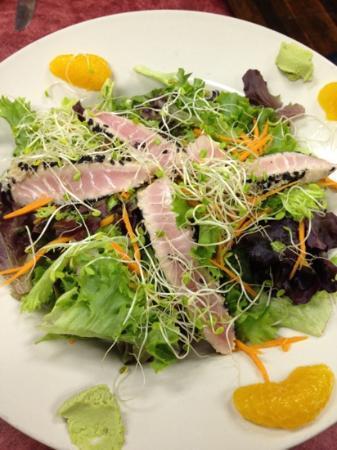 Sanitary Fish Market & Restaurant : The tuna salad... Jummy!!!