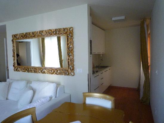 Al Bailo di Venezia: Espace cuisine et salle à manger avec canapé lit