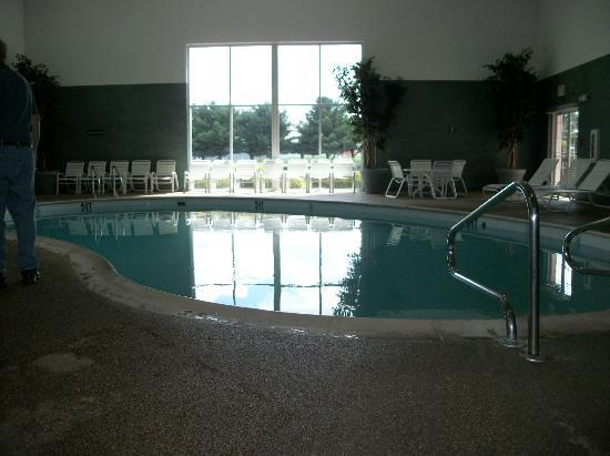 Farmstead Inn: Swimming pool