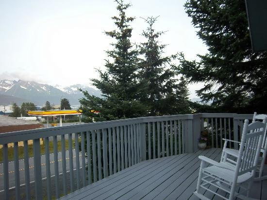 Bear's Den B&B and Lodging: Part of the view from the room - beautiful!