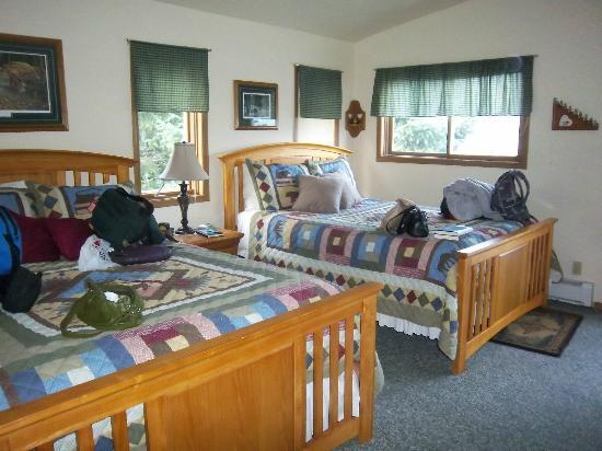 Bears Den B&B and Lodging: 2 beds