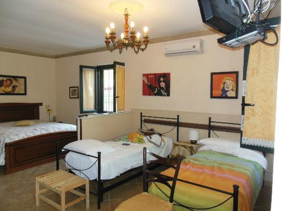 B&B Pompei Il Fauno : Family Suite