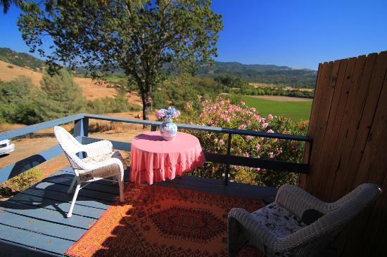 Hillcrest Bed & Breakfast: Balcony 