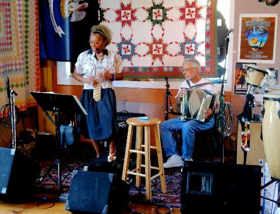 Richard's Louisiana Cafe: Live music daily