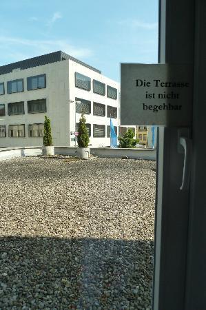 Hotel Garni Helvetia: The terrace  - do not enter!