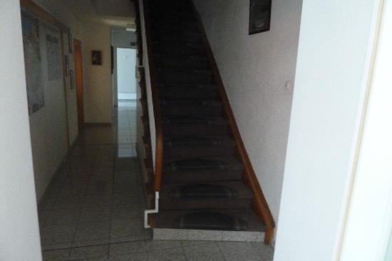Hotel Garni Helvetia: lobby area