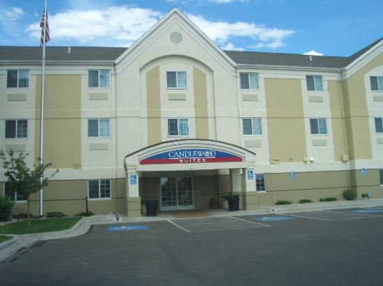 Candlewood Suites Cheyenne : Front entrance