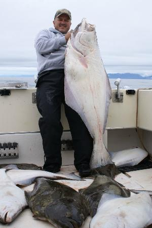 Bob's Cabin & Guide Service: World Class Halibut Fishing