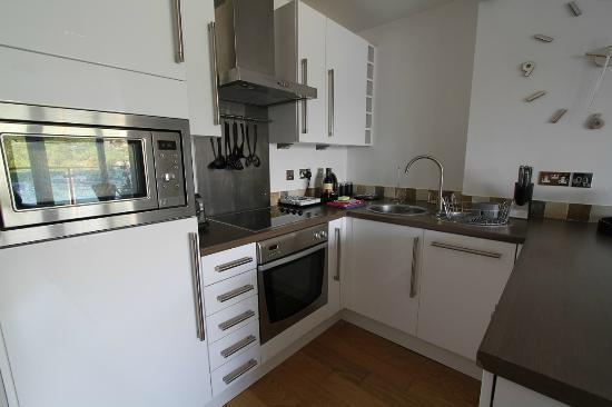 Westcliff Apartments: Kitchen Area