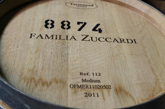 Familia Zuccardi: Barrell room