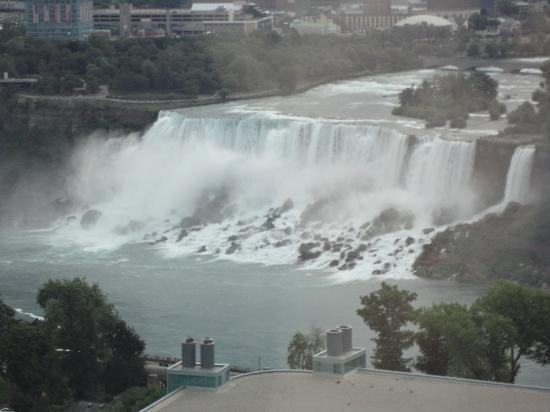Hilton Niagara Falls/Fallsview Hotel & Suites : View from rom.