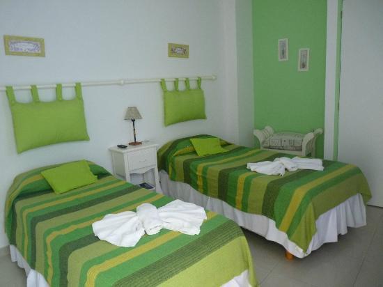 Biarritz Hotel B&B: Habitacion doble dos camas
