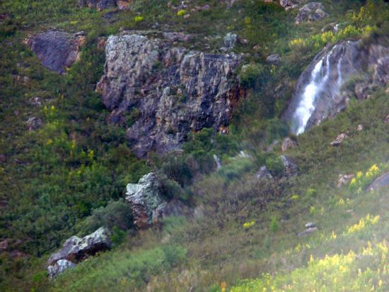 Franschhoek Pass: Another waterfall
