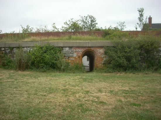 ‪‪Fort Constitution Historic Site‬: One of the sally ports that lead from residential areas to the interior of the fort.‬