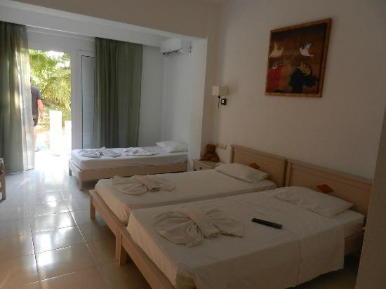 Hotel Delfina Beach: chambre 3 personnes