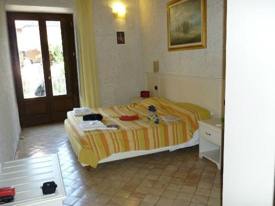Residenza I Gioielli: camera da letto
