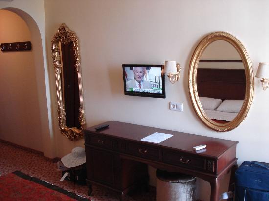 Antique Roman Palace: LCD TV