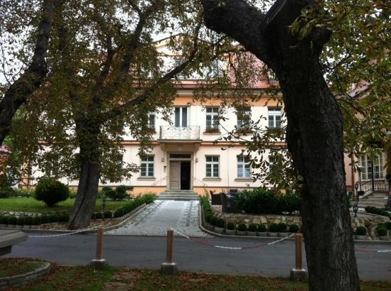 Castle Residence Praha: Main entrance
