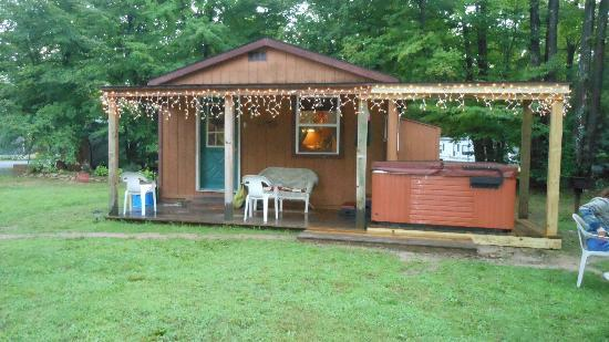 Forest Ridge Campground & Cabins: the cabin