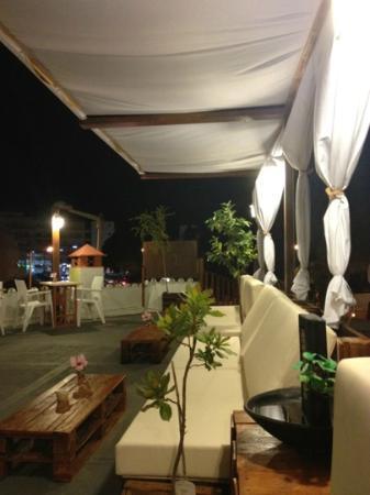 Eco Lounge Bar: Sofá Lounge