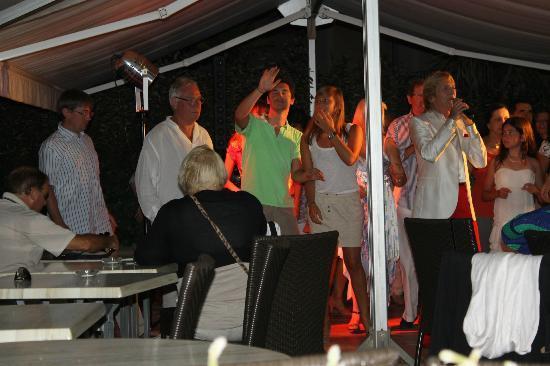 Ibis Hyeres Plage Thalassa: soirée cloclo bonne ambiance