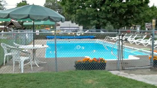 Christy's Motel: Clean pool!