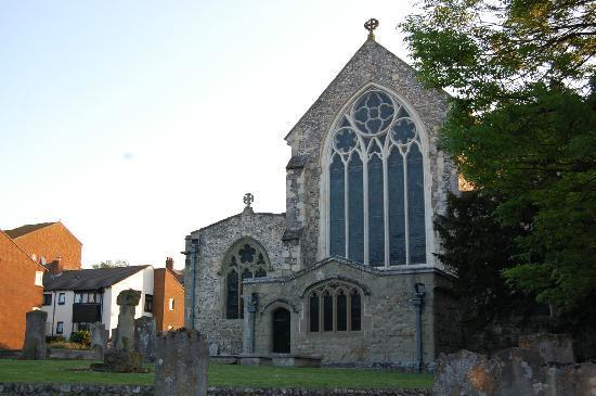 Ocklynge Manor Bed & Breakfast: 12th century cathedral near B&B