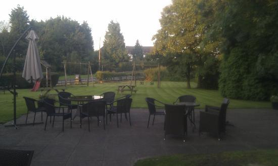 Chetwode Arms: Large play area