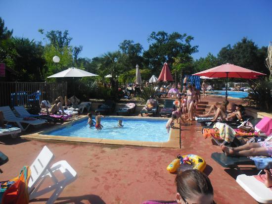 Camping Lou Puntaou: piscine enfant
