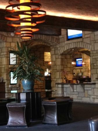 The Oread: Lovely Lobby